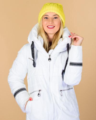 Women wear a Fleece Jacket